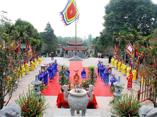 National Hero Tran Hung Dao's 716th death anniversary solemnly celebrated
