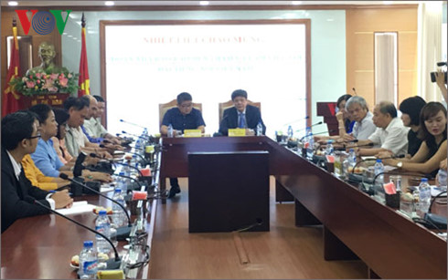 Voice of Vietnam leaders receive Laotian journalist delegation
