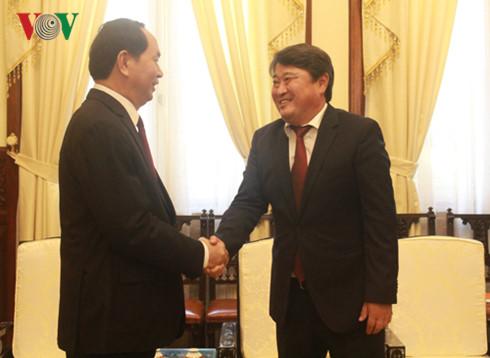 President Tran Dai Quang receives Mongolian Ambassador