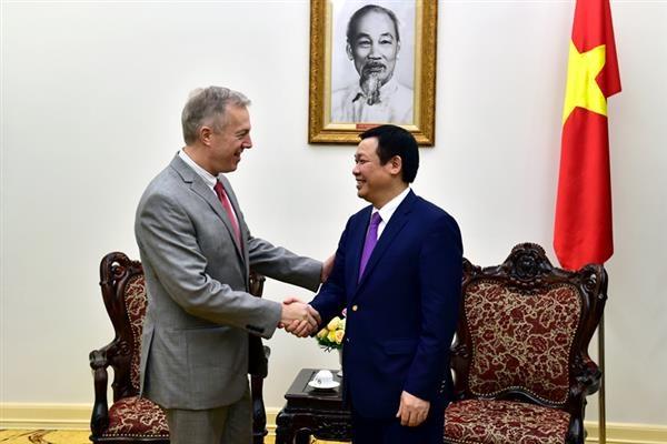Deputy PM Vuong Dinh Hue meets US Ambassador