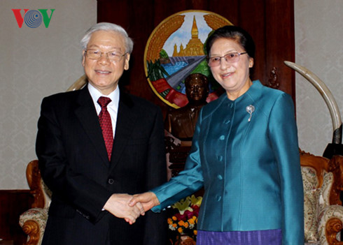 Party leader Nguyen Phu Trong meets Laos top legislator