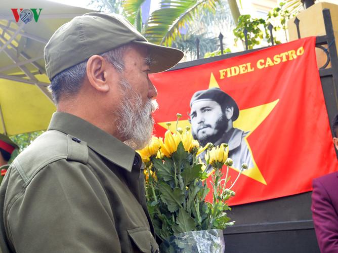 Leader Fidel Castro in Vietnamese people's hearts