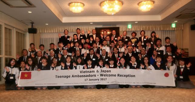 Vietnam-Japan teenage ambassadors join an exchange