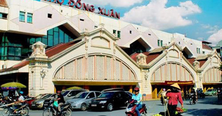 Dong Xuan market embraces Hanoi's culture