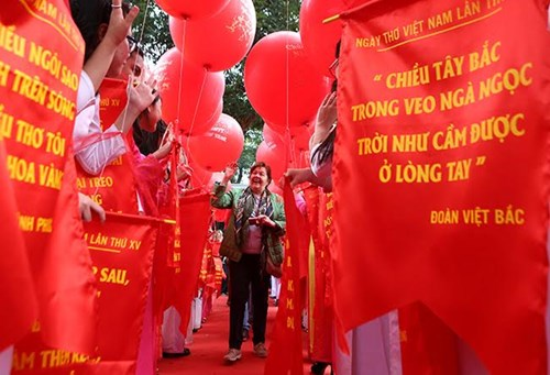 Vietnam's 15th Poetry Day opens