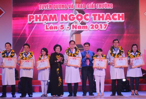 Activities underway to mark Vietnam Physicians' Day