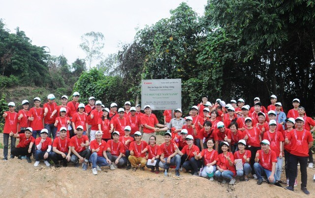 Canon pushes forest planting in Thanh Hoa