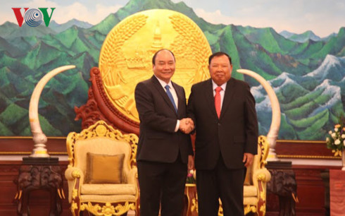 Lao leaders hail Prime Minister Nguyen Xuan Phuc's visit