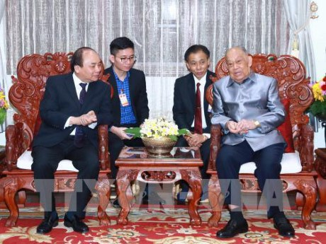 Vietnam and Laos leaders foster special bilateral ties