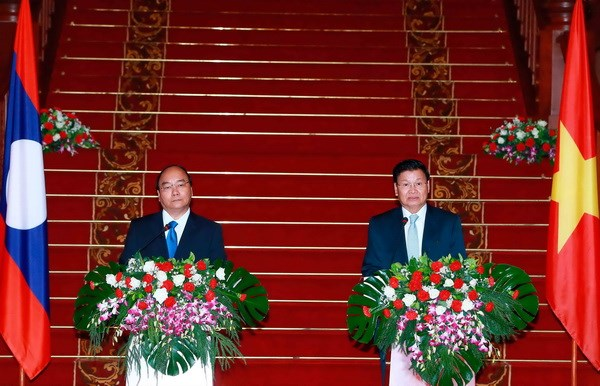 Vietnam, Laos to boost traditional ties, special solidarity