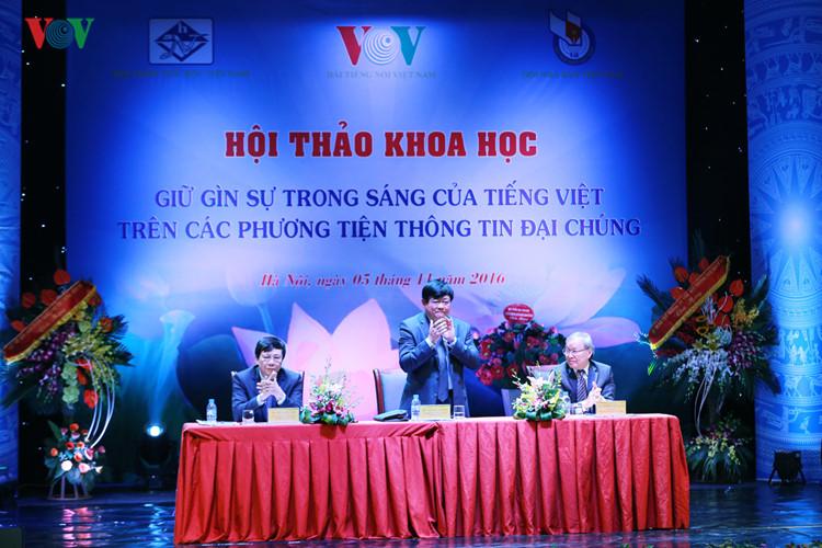 Giải pháp nào cho việc giữ gìn sự trong sáng của tiếng Việt
