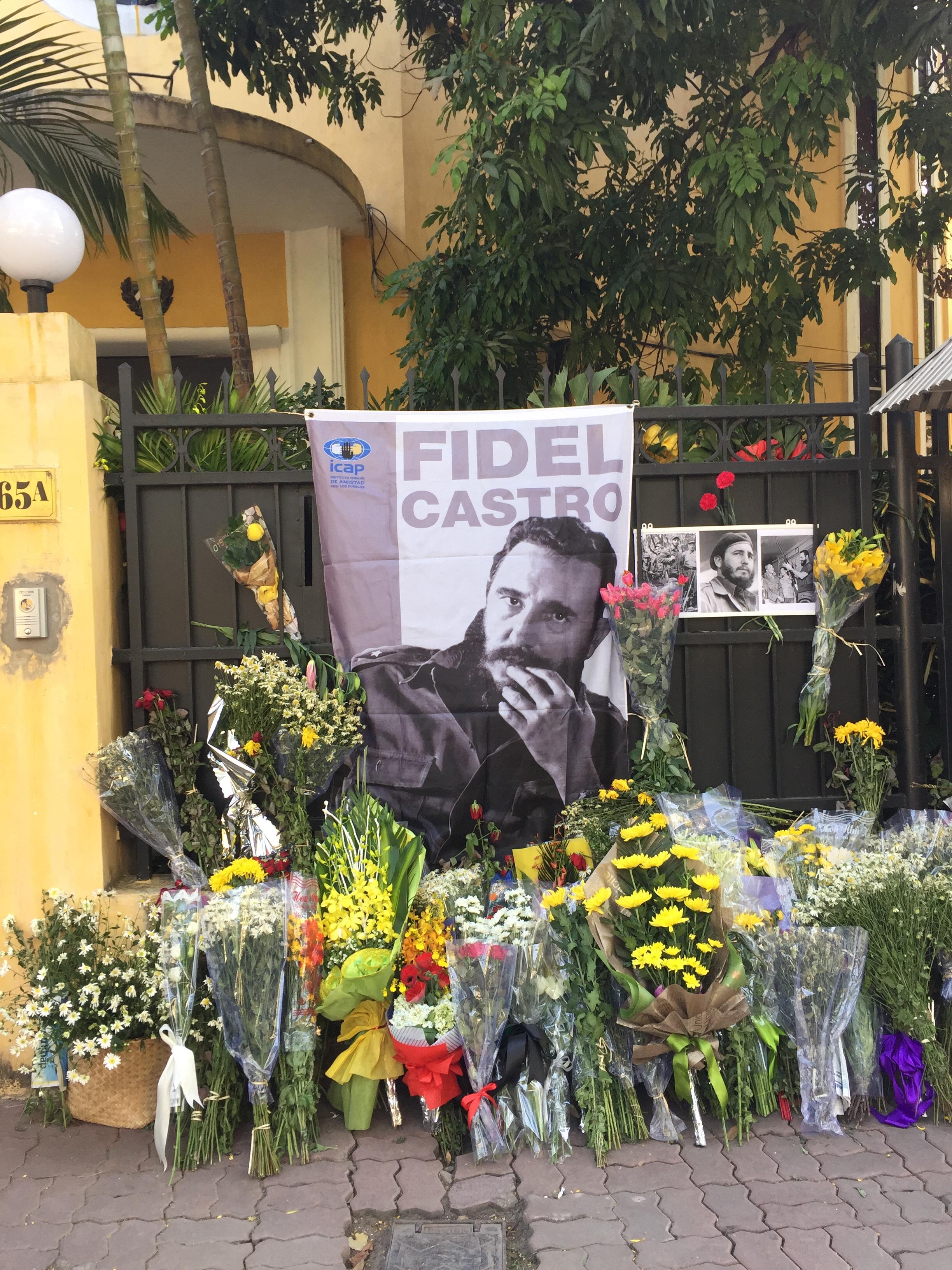 Lãnh tụ Fidel Castro Ruz luôn sống mãi trong lòng người dân Việt Nam
