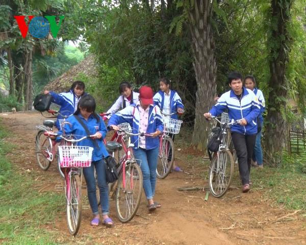 Proyek sepeda pinjaman  memasang sayap impian bagi para pelajar miskin