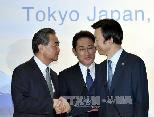 Special envoys of South Korea, Japan discuss North Korea issue