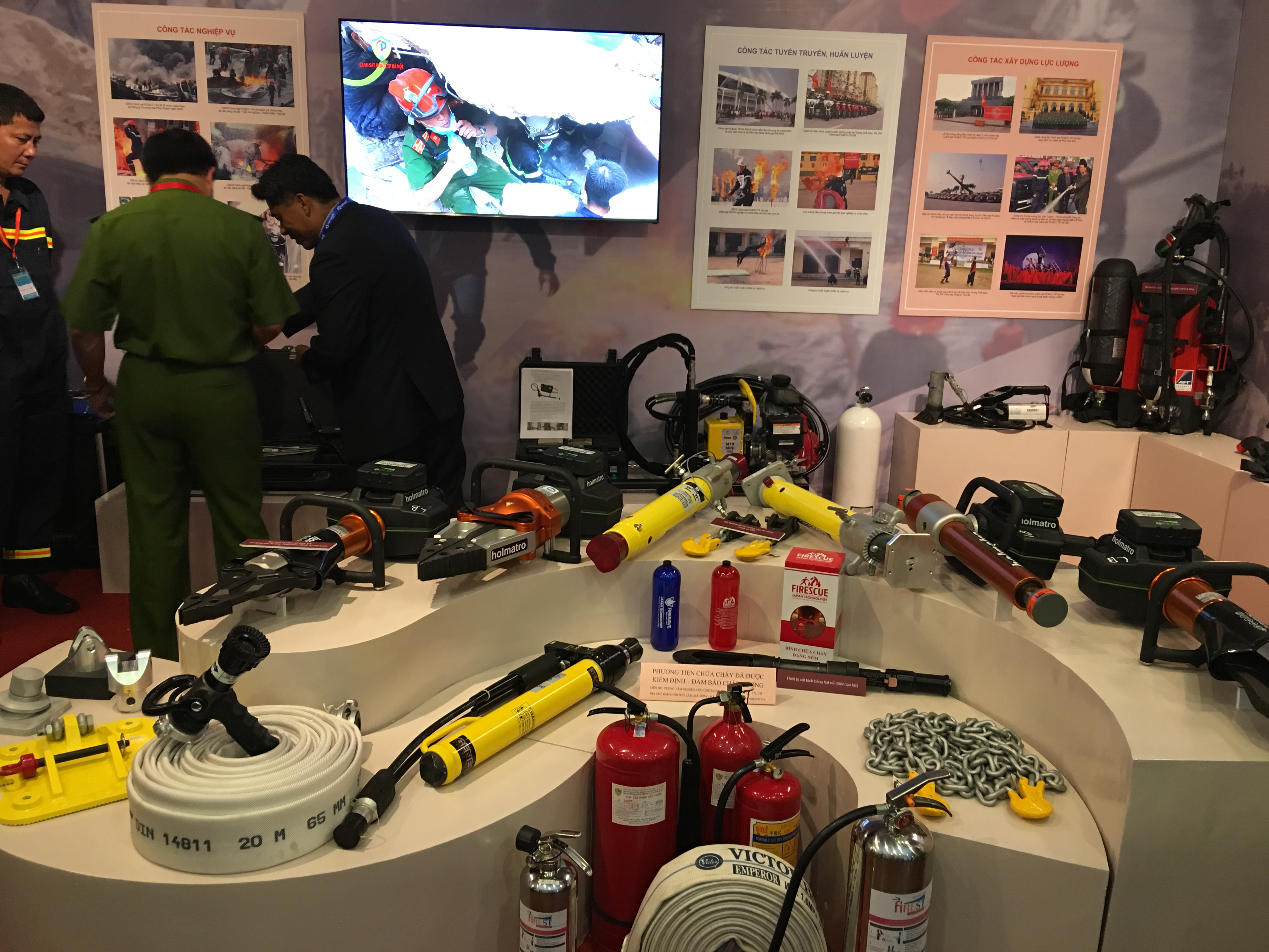 International Security and Fire Safety Exhibit opens in Hanoi