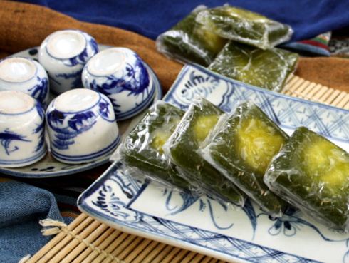 Manh cong cake - authentic flavor of ancient Hanoi