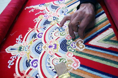 Vietnamese Royal Embroidery - From past to present