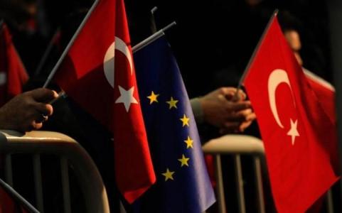 Turkey could hold referendum on EU membership bid