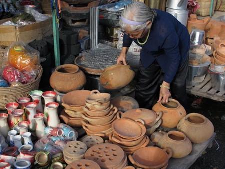 ダウロイ村の伝統的陶器生産