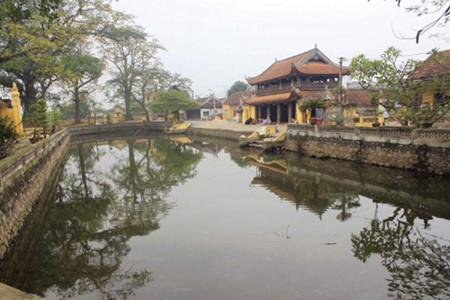歴史を感じるナムディン省のハインティン村