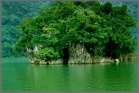 バーベー国立公園・バクカン省における魅力的な観光地