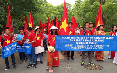 Người Việt ở Nhật Bản tuần hành phản đối Trung Quốc xâm phạm chủ quyền
