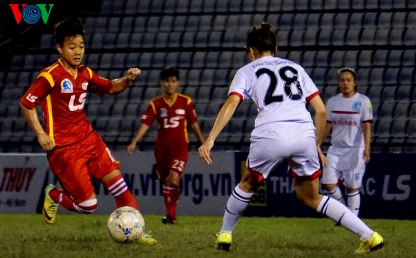 Không khí sôi động bất ngờ ở giải bóng đá nữ VĐQG