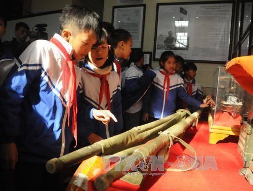 Lai Châu trưng bày tư liệu