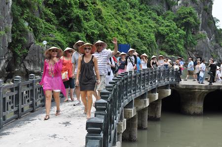 Promueven mayor contribución del turismo nacional al PIB en Vietnam