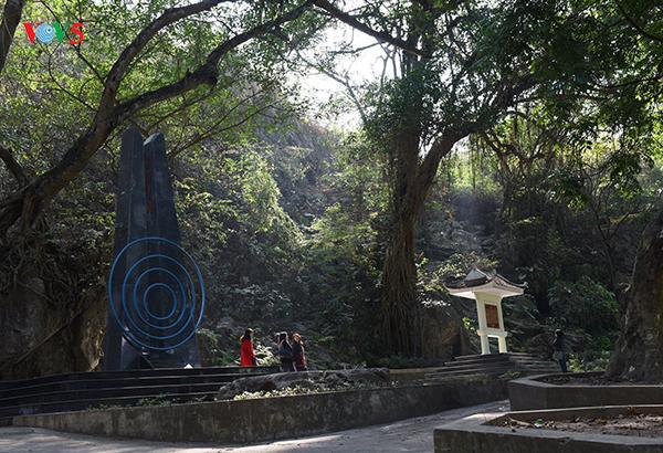 เยือนสถานที่ประธานโฮจิมินห์อ่านบทกวีอวยพรปีใหม่ผ่านสถานีวิทยุเวียดนามเมื่อ 70 ปีก่อน