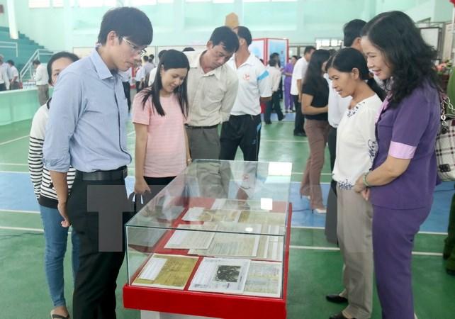 Tỉnh Đắk Nông trưng bày tư liệu về chủ quyền Việt Nam đối với hai quần đảo Hoàng Sa, Trường Sa