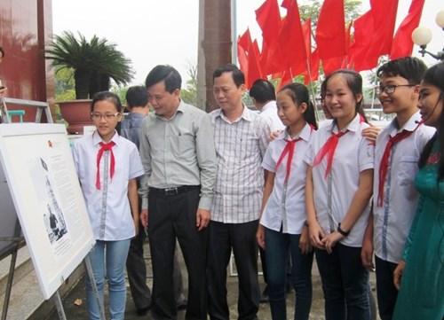 Triển lãm bản đồ và trưng bày tư liệu Hoàng Sa, Trường Sa của Việt Nam tại Thanh Hóa