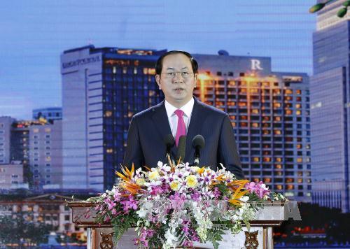 Новогоднее поздравление президента СРВ Чан Дай Куанга 2017 года
