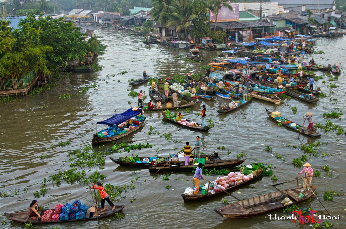 Le Mékong et le fleuve Rouge débordent-ils lors des crues?