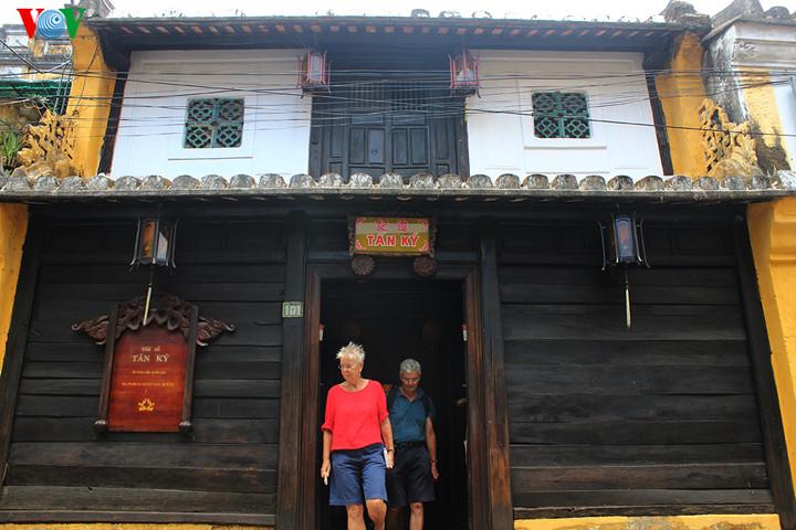 Tan Ky, un retour dans le passé