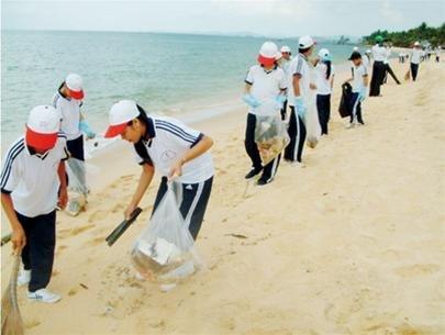 清洁大海——庆和省2016夏季青年志愿者活动的重头戏