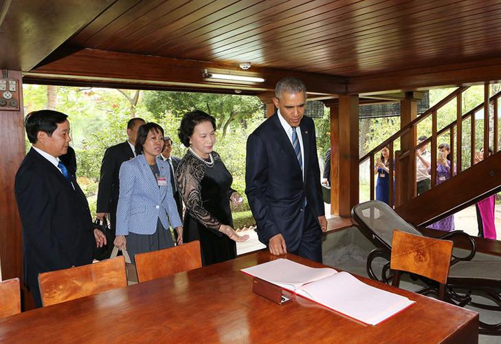 US-Präsident Barack Obama besucht Stelzenhaus von Präsident Ho Chi Minh