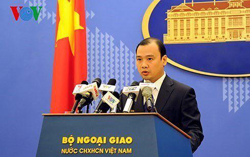 Việt Nam phản đối Trung Quốc cải tạo, xây dựng các đảo ở Biển Đông