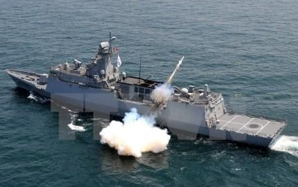 朝鮮民主主義人民共和国警備艇と漁船がNLL侵犯