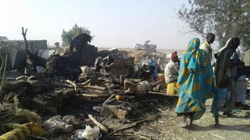 避難民キャンプ誤爆、死者236人の恐れ ナイジェリア