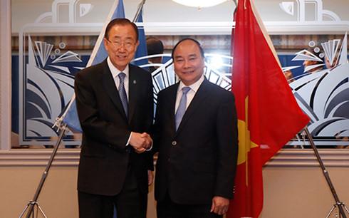 PM Nguyen Xuan Phuc melakukan pertemuan bilateral di sela-sela Konferensi Tingkat Tinggi G-7 yang diperluas