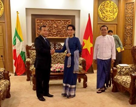 Deputi Menlu Vu Hong Nam melakukan temu kerja dengan Kemlu Myanmar
