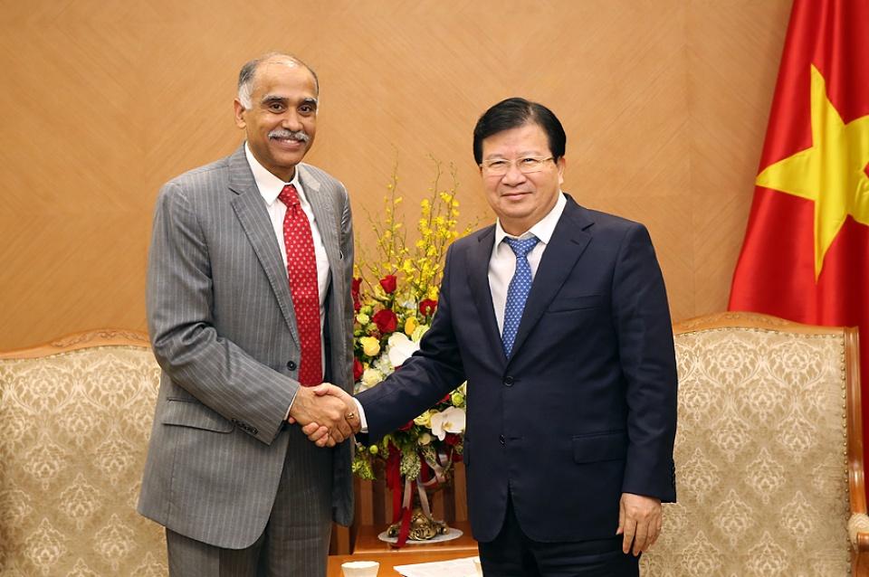 郑庭勇会见白俄罗斯、印度和荷兰驻越大使