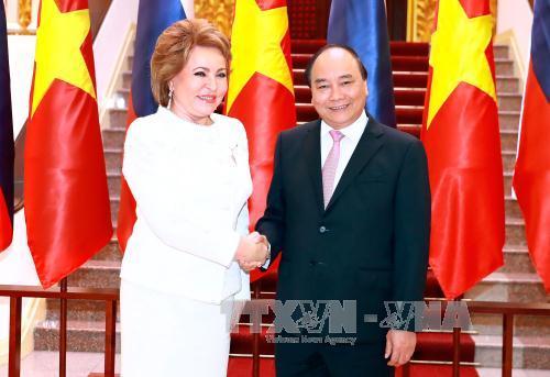 Nguyen Xuan Phuc empfängt die Vorsitzende des russischen Föderationsrates