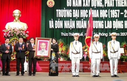 Phó Chủ tịch nước Đặng Thị Ngọc Thịnh dự lễ kỷ niệm 60 Đại học Khoa học Huế