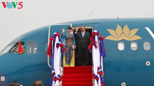 Laotian press: PM Nguyen Xuan Phuc's visit lifts bilateral ties to a new height