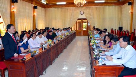 Rombongan Kepala Perwakilan Vietnam di luar negeri melakukan temu kerja dengan Badan Pengarahan daerah Tay Bac