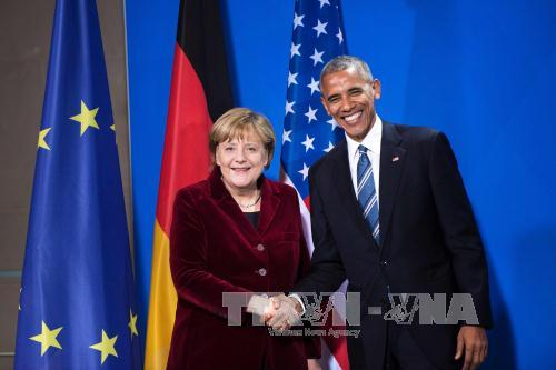 US President Obama phones German Chancellor before leaving White House