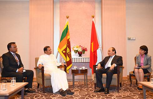 Thủ tướng Nguyễn Xuân Phúc tiếp xúc song phương với nguyên thủ, lãnh đạo các nước bên lề HN G7