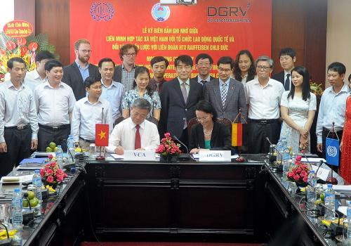 Ký kết biên bản ghi nhớ giữa Tổ chức lao động Quốc tế và Liên minh Hợp tác xã Việt Nam